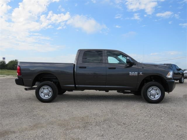 2018 Ram 2500 Crew Cab 4x4, Pickup #125739 - photo 3