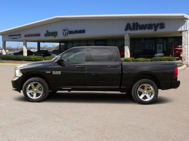 2016 Ram 1500 Crew Cab 4x4, Pickup #184269 - photo 3