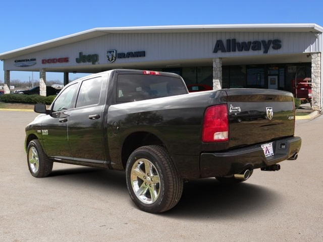 2016 Ram 1500 Crew Cab 4x4, Pickup #184269 - photo 2