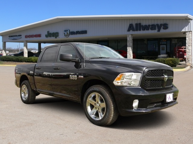 2016 Ram 1500 Crew Cab 4x4, Pickup #184269 - photo 6