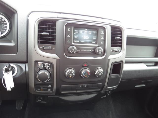 2016 Ram 1500 Crew Cab 4x4, Pickup #184269 - photo 18
