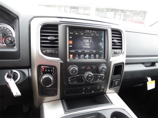 2016 Ram 1500 Crew Cab, Pickup #201171 - photo 17