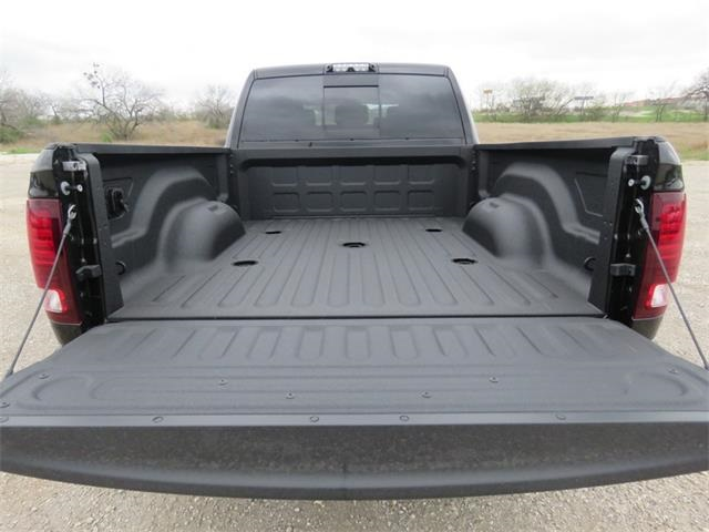 2018 Ram 2500 Mega Cab 4x4, Pickup #232670 - photo 30