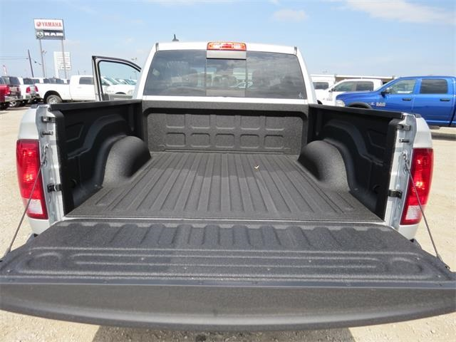 2018 Ram 1500 Crew Cab, Pickup #234375 - photo 23