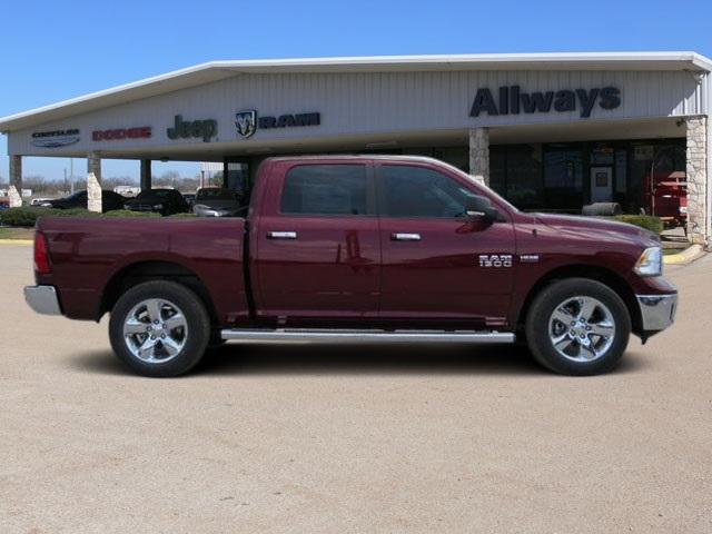 2016 Ram 1500 Crew Cab 4x4, Pickup #407725 - photo 5