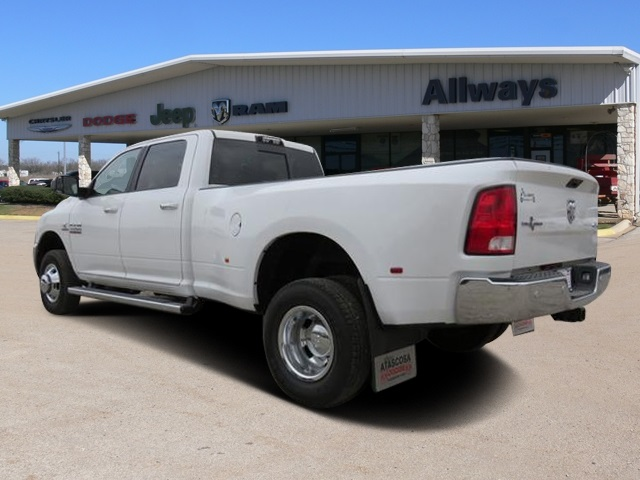 2017 Ram 3500 Crew Cab DRW 4x4, Pickup #527887 - photo 2