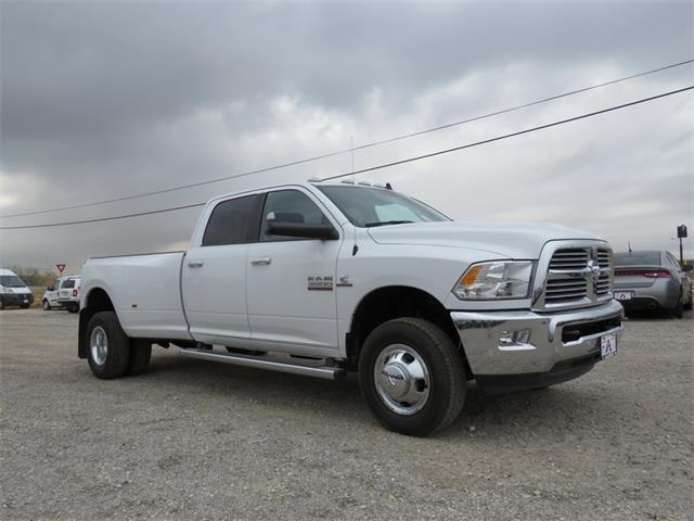2017 Ram 3500 Crew Cab DRW 4x4, Pickup #527887 - photo 6