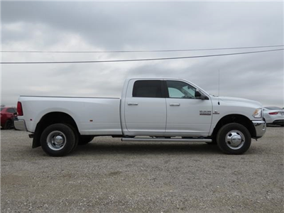 2017 Ram 3500 Crew Cab DRW 4x4, Pickup #527887 - photo 5