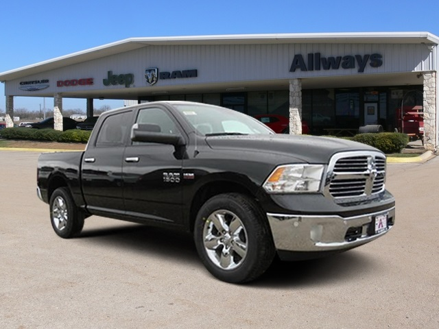 2017 Ram 1500 Crew Cab 4x4, Pickup #602906 - photo 6