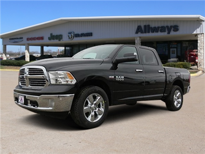 2017 Ram 1500 Crew Cab 4x4, Pickup #602906 - photo 1