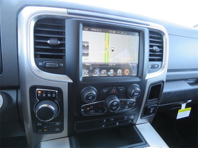 2017 Ram 1500 Crew Cab 4x4, Pickup #873521 - photo 19
