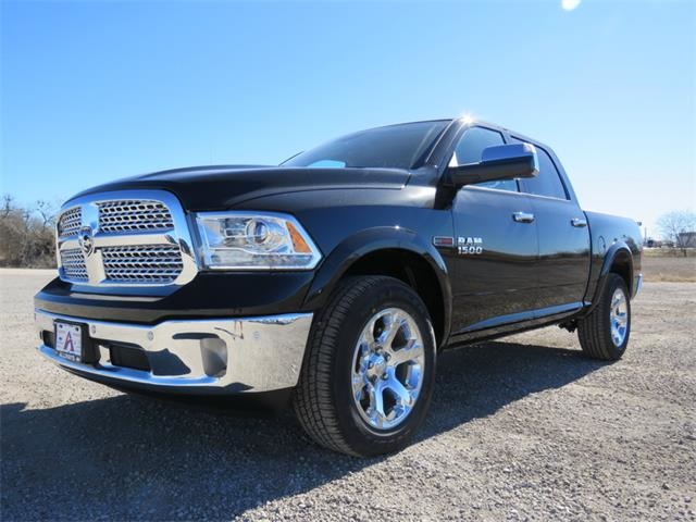 2017 Ram 1500 Crew Cab 4x4, Pickup #881567 - photo 6