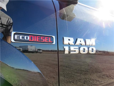 2017 Ram 1500 Crew Cab 4x4, Pickup #881567 - photo 7