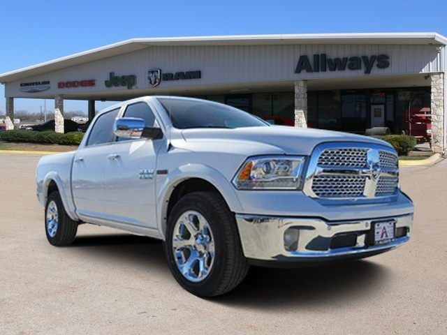 2017 Ram 1500 Crew Cab 4x4, Pickup #882866 - photo 1