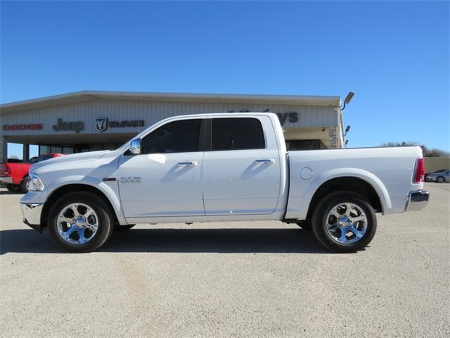 2017 Ram 1500 Crew Cab 4x4, Pickup #882866 - photo 5