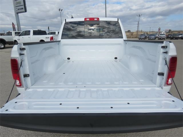 2017 Ram 1500 Crew Cab 4x4, Pickup #882946 - photo 29