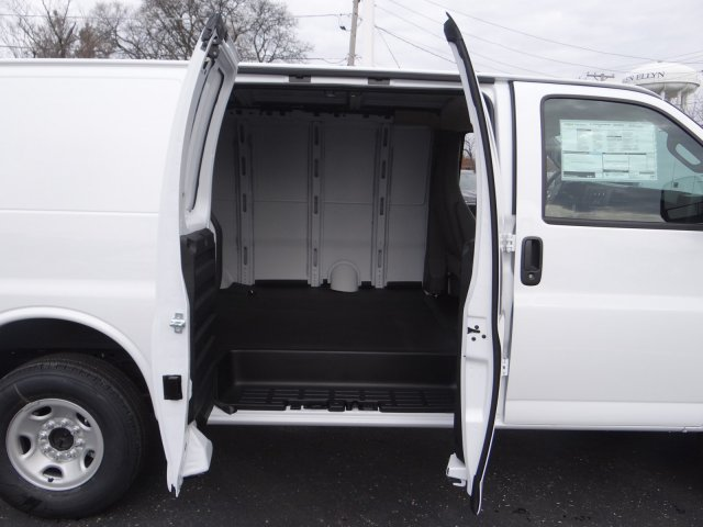 2017 Express 2500 Cargo Van #64761 - photo 7