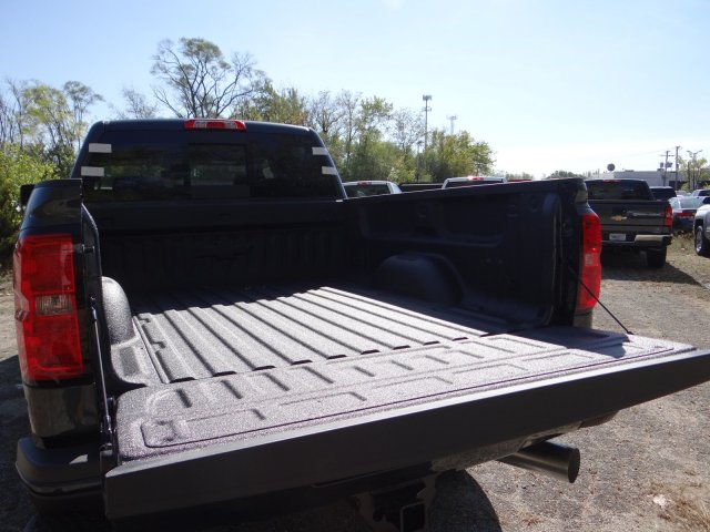 2018 Silverado 3500 Crew Cab 4x4, Pickup #65123 - photo 6