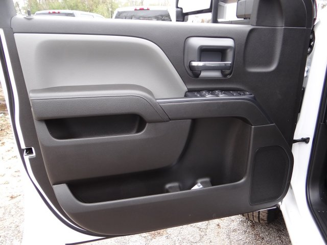 2018 Silverado 3500 Extended Cab Pickup #65172 - photo 10