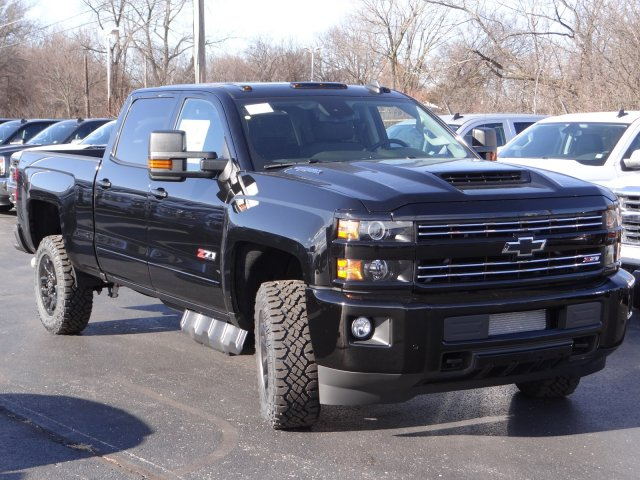 2018 Silverado 2500 Crew Cab 4x4 Pickup #65198 - photo 4