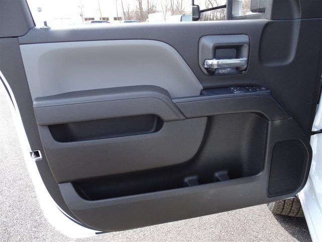 2018 Silverado 3500 Regular Cab 4x4, Pickup #65390 - photo 9
