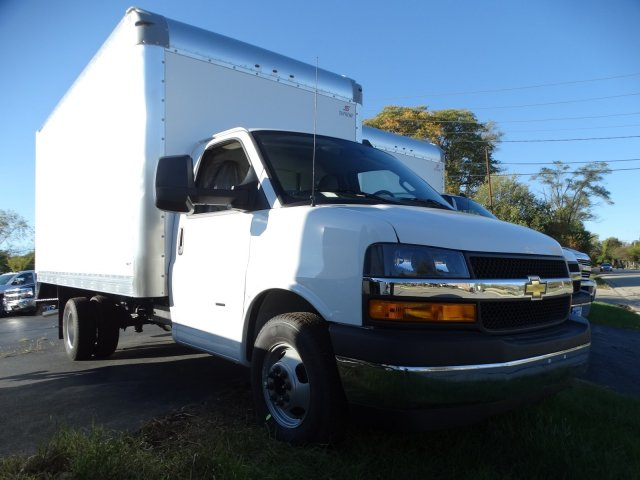 2018 Express 3500 4x2,  Cutaway Van #65736 - photo 4