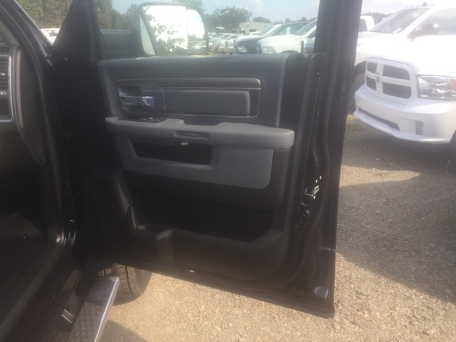2018 Ram 5500 Crew Cab DRW, Cab Chassis #26502 - photo 16