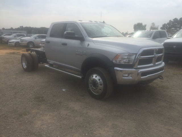 2018 Ram 5500 Crew Cab DRW, Cab Chassis #26503 - photo 4