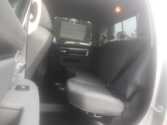 2018 Ram 5500 Crew Cab DRW, Cab Chassis #26503 - photo 7