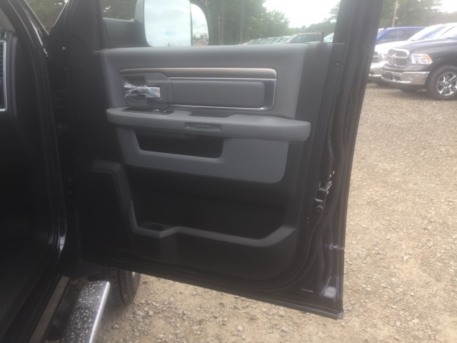 2018 Ram 5500 Crew Cab DRW, Cab Chassis #26550 - photo 16