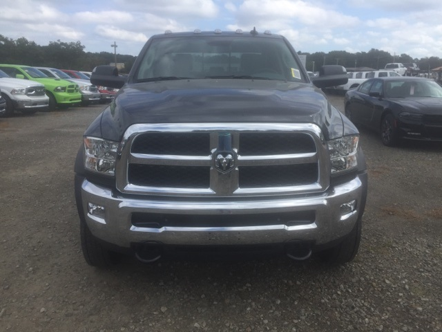 2018 Ram 5500 Crew Cab DRW, Cab Chassis #26550 - photo 3
