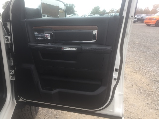 2018 Ram 5500 Crew Cab DRW, Cab Chassis #26759 - photo 18