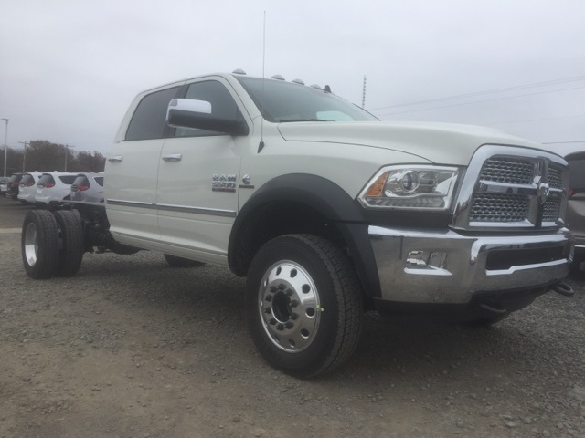 2018 Ram 5500 Crew Cab DRW, Cab Chassis #26759 - photo 4