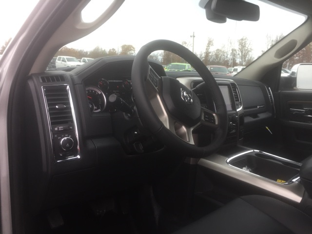 2018 Ram 5500 Crew Cab DRW, Cab Chassis #26763 - photo 11