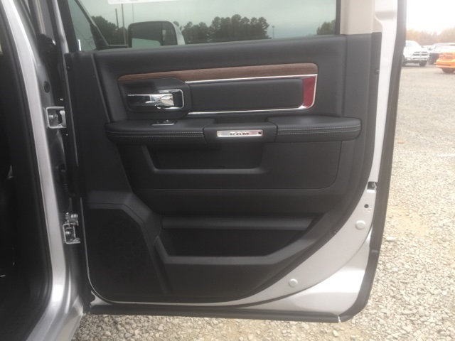 2018 Ram 5500 Crew Cab DRW, Cab Chassis #26763 - photo 14