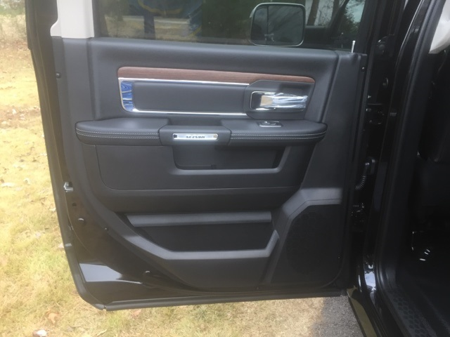 2018 Ram 5500 Crew Cab DRW, Cab Chassis #26875 - photo 8