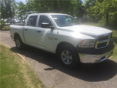 2018 Ram 1500 Crew Cab 4x2,  Pickup #28040 - photo 4