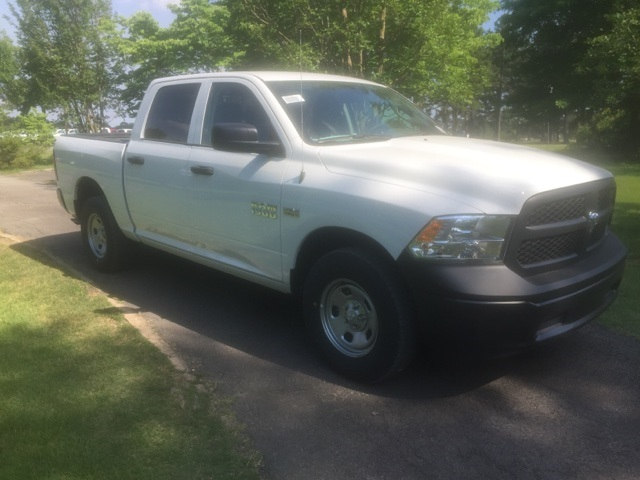 2018 Ram 1500 Crew Cab 4x4,  Pickup #296428 - photo 4