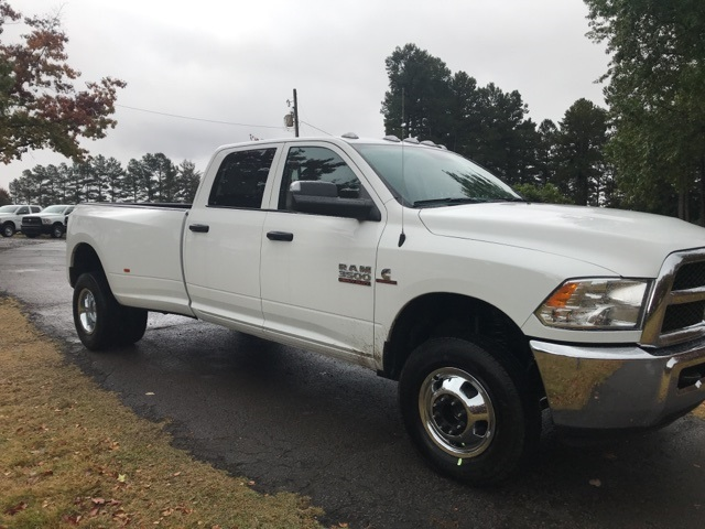 2018 Ram 3500 Crew Cab DRW 4x4,  Pickup #JG344139 - photo 4