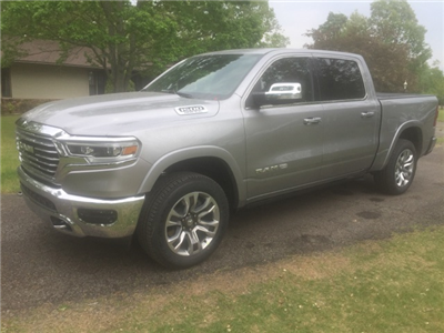 2019 Ram 1500 Crew Cab 4x4,  Pickup #KN510339 - photo 1