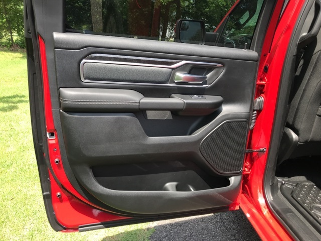 2019 Ram 1500 Crew Cab 4x4,  Pickup #KN512203 - photo 10
