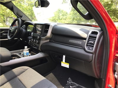 2019 Ram 1500 Crew Cab 4x4,  Pickup #KN512203 - photo 18
