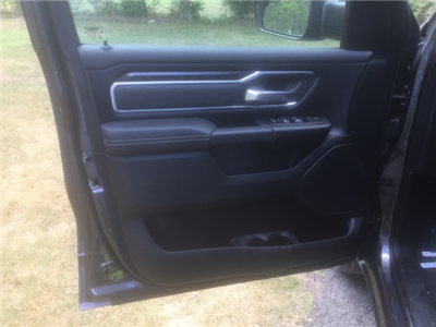 2019 Ram 1500 Crew Cab 4x2,  Pickup #KN548054 - photo 13