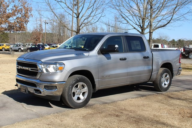 2019 Ram 1500 Crew Cab 4x4,  Pickup #KN597875 - photo 3