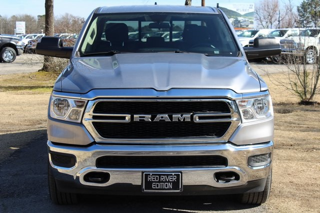 2019 Ram 1500 Crew Cab 4x4,  Pickup #KN597875 - photo 1