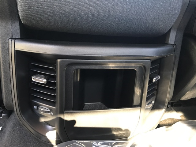 2019 Ram 1500 Crew Cab 4x4,  Pickup #KN597875 - photo 27