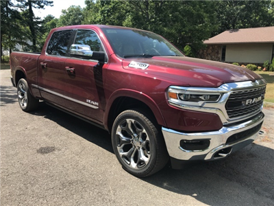 2019 Ram 1500 Crew Cab 4x4,  Pickup #KN598493 - photo 1