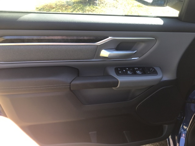 2019 Ram 1500 Crew Cab 4x4,  Pickup #KN606268 - photo 11