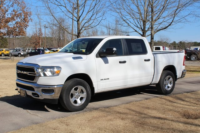 2019 Ram 1500 Crew Cab 4x4,  Pickup #KN612410 - photo 1