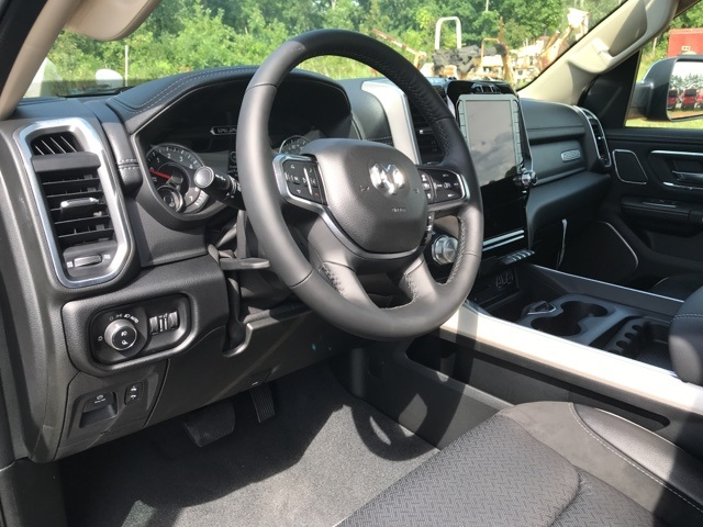 2019 Ram 1500 Crew Cab 4x2,  Pickup #KN615833 - photo 9